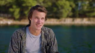 "MAMMA MIA! 2 Here We Go Again ""Young Harry"" Hugh Skinner On Set Interview"