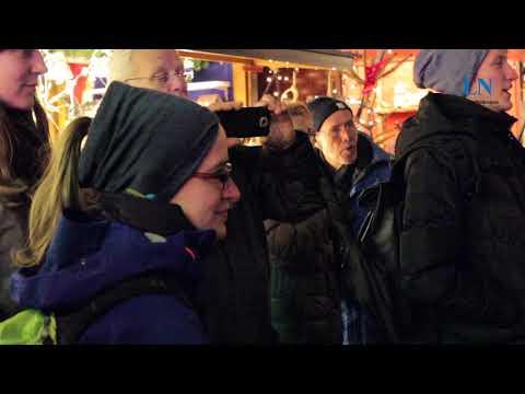 Weihnachtsmarkt-Flashmob auf dem Lübecker Markt