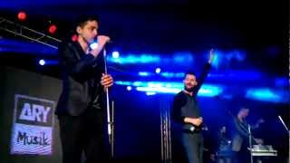 Akcent Live in lahore Feb 26th 2012 (How deep is your love)