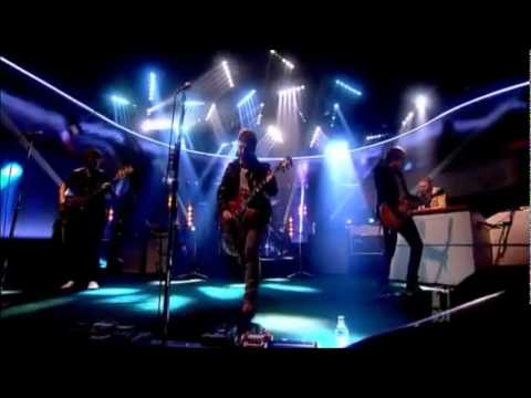 Noel Gallagher - Little By Little (on the Jonathan Ross Show)