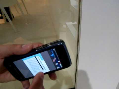 Samsung BEAM i8520 - video demo @ MWC 2010