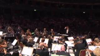 Repeat youtube video Proms 2011 - Music from the James Bond films