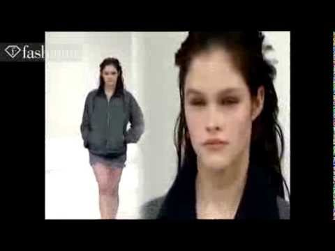 3475ff1131b Lonneke Engel at Miu Miu Fall 1997 fashion show - YouTube