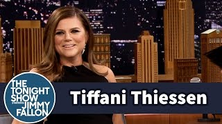Tiffani Thiessen s Saved by the Bell Reunion Baby Bump Was Real