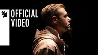 Смотреть клип Armin Van Buuren Ft. Duncan Laurence - Feel Something