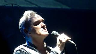 """Morrissey """"Will Never Marry"""" St.Paul,Mn 7/13/15 HD"""