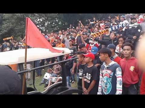 Kamu tak kan pernah sendiri TheJakPembaJAK Bogor . Laga ujicoba Persija vs Jagorawi FC di Kranggan