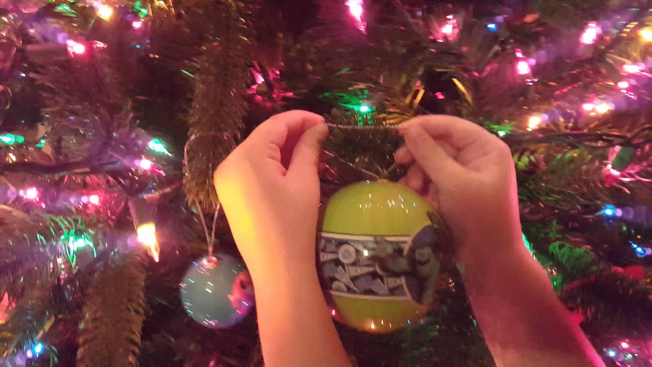 decorating christmas tree with kids - Kids Decorating For Christmas