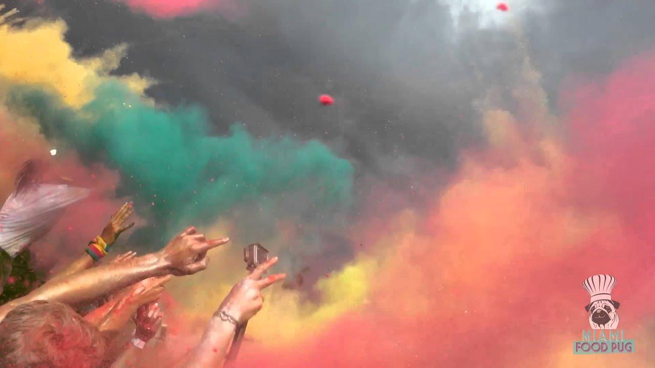 The Color Run Miami 2015 Color Toss