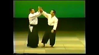 Уроки айкидо от Морихиро Сайто / Болевой захват руки противника