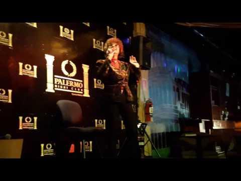 Asi Canta Melba Cortes en las noches de karaoke de Palermo Night Club