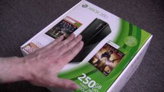Xbox 360 S 250GB 2011 Holiday Bundle Unboxing