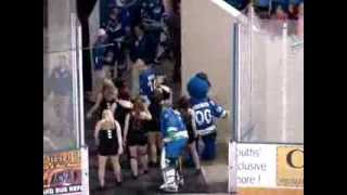 SPHL Goalie does the Wobble