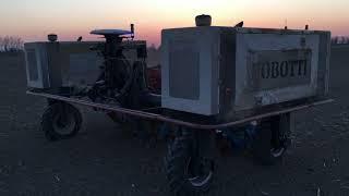 Polní robot Robotti - setí kukuřice na Olomoucku - večer