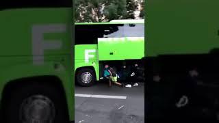 فرنسا..,حافلة,للسياح,تتعرض,للسرقة,خلال,سيرها