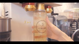 Put drinks in the Can and spin it! BOOM! | Korea cafe vlog by Zoe
