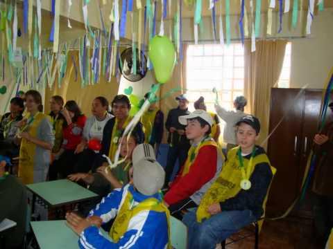 Escolha da Decoração da Sala de aula com o temaCopa do Mundo 2010.wmv