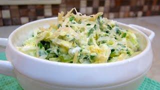 Витаминный салат из лука, яиц и маложирной сметанки - полезный рецепт