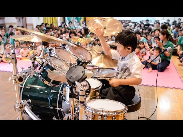 「ほいくえんで ドラム たたいたよ」6歳ドラマー: アンパンマンのマーチほか