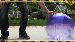 Repeat youtube video What happens if you fill a Balloon with Liquid Nitrogen?