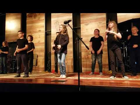 Sign Language to TREMBLE by KCA Kids