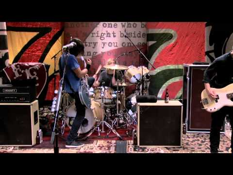 Foo Fighters - 9. Miss The Misery (LIVE @ Studio 606)