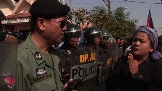 Cambodge: la police disperse une manifestation par la force