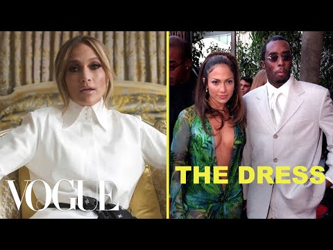 Savannah - JLo Closes Versace Show in Dress Responsible for Creating Google Images
