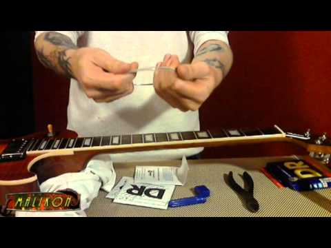 Keep Your Guitar in Tune : changing and stretching new strings