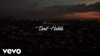 Смотреть клип Neeqah - Bad Habits