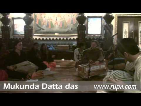 Bhajan - New Year's Eve 2010 - Mukunda Datta das - 22/22