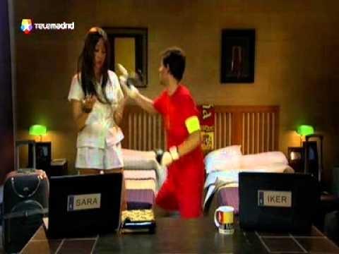 Iker y Sara, en la habitación del hotel