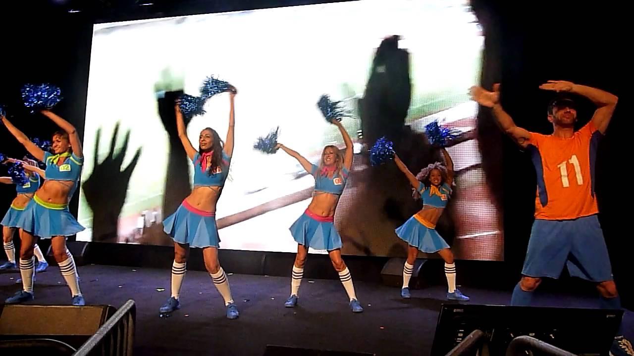 Danseurs de la ola fdj au parc des expo dijon youtube for Parc expo dijon
