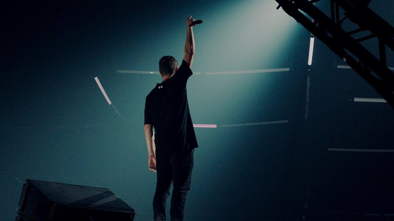 Arti Terjemahan Lirik Lagu Martin Garrix - Hold On