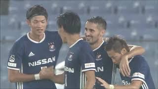 横浜FMが細かいパス交換から左サイドを攻略すると、ゴール前へのラスト...