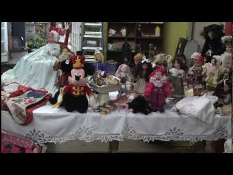 Seasons Greetings from Lakeview Antique Mall-Gainesville, GA.mpg