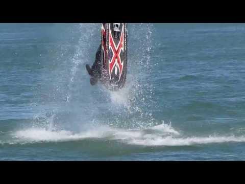מטורף פעלולים אופנוע ים  מדהים
