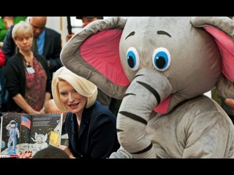 Romney & Gingrich's Intern: Show Me Your T*ts! - 동영상