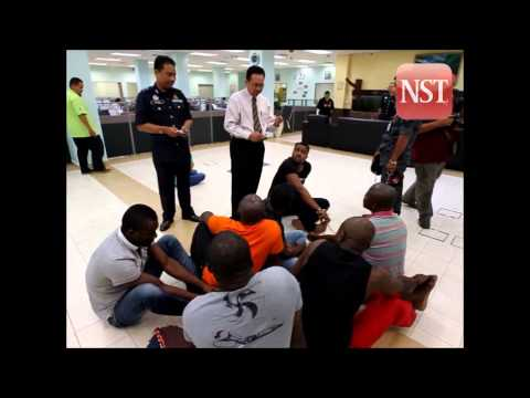 Immigration Dept PC on arrest of illegal immigrants in Ayer Keroh