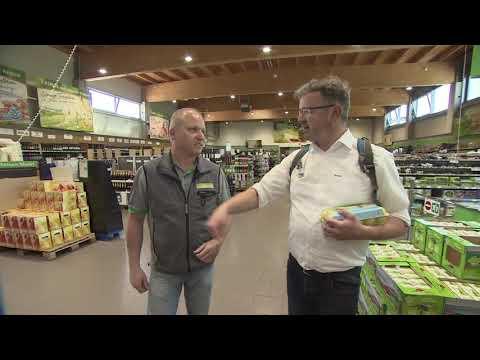 Manuel Andrack Besucht Den ZG Raiffeisen Markt In Karlsruhe | Raiffeisen-Tour