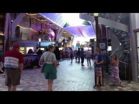 Oasis of the Seas Promenade