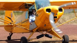 Airplane Piper Pa 18 Super Cub Take Off, Taxi Video