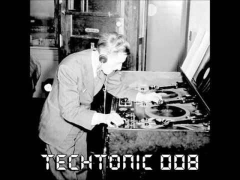 TechTonic Podcast 008 Podcast ( 2016 Techno Year Mix) FULL TRACKLIST