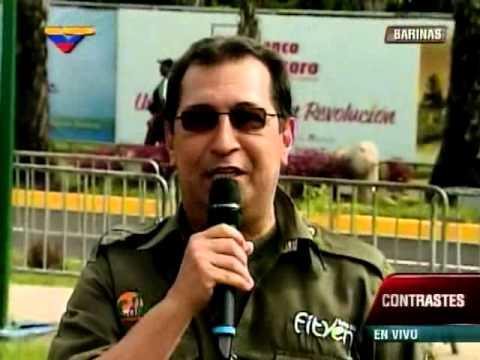 Adán Chávez canta en la Fitven 2014