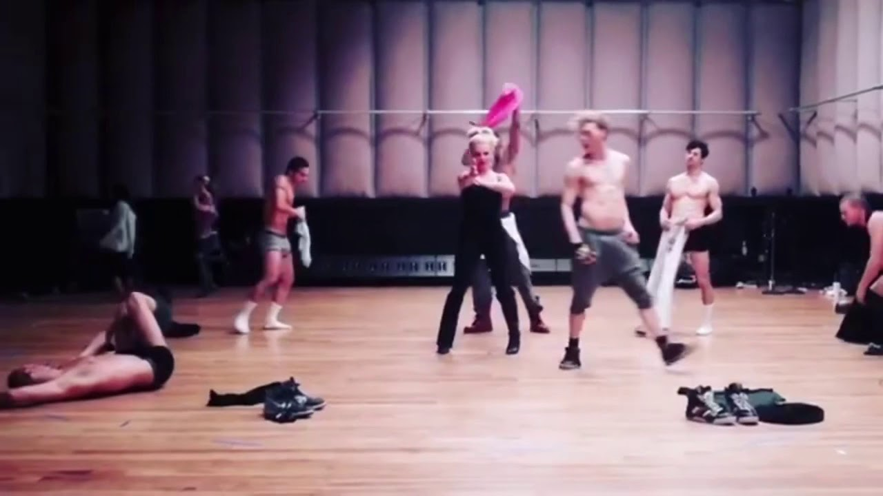 Britney Spears - Hold It Against Me (Brian Friedman's Rehearsal Footage)