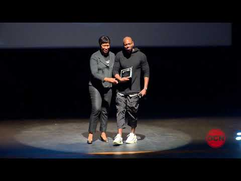 Mayor Bowser Presents Dave Chappelle with Key to the City, 9/29/17