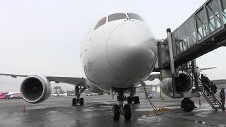 LOT Polish Airlines Boeing 787 Dreamliner boarding & walkaround