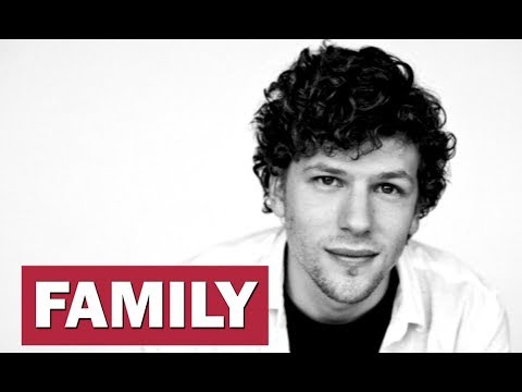 Jesse Eisenberg. Family (his Parents, Sisters, Wife, Son)