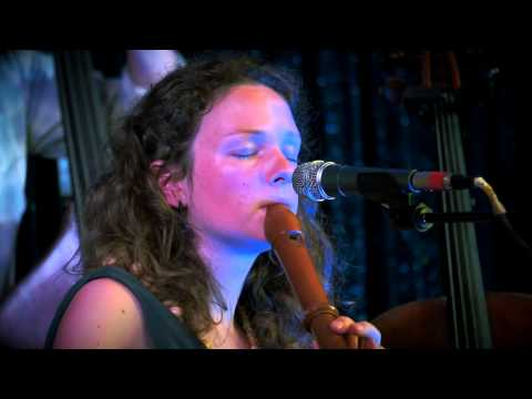 Beth Porter & The Availables - Salty Water