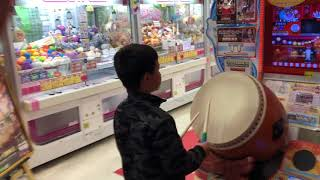7 year old is the Worlds Greatest Drummer | Taiko no Tatsujin - The Japanese Drumming Game